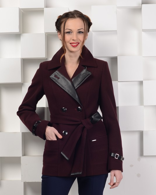 Пальто с кожей бордо