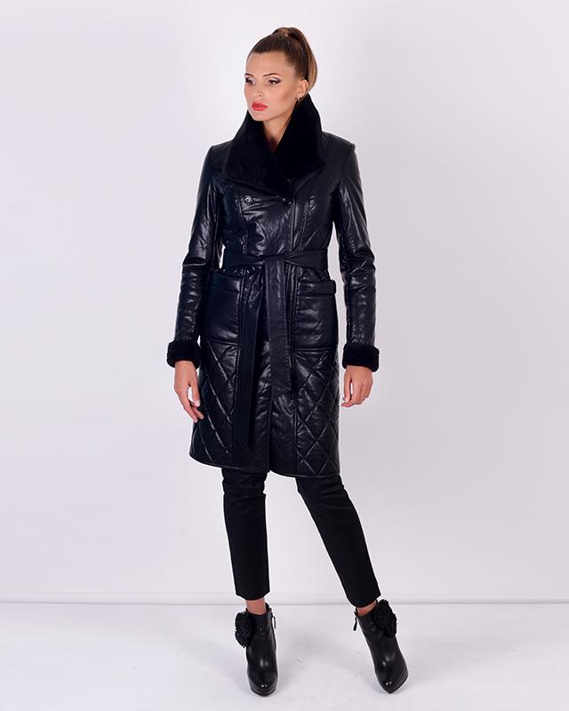Утепленное пальто из эко-кожи