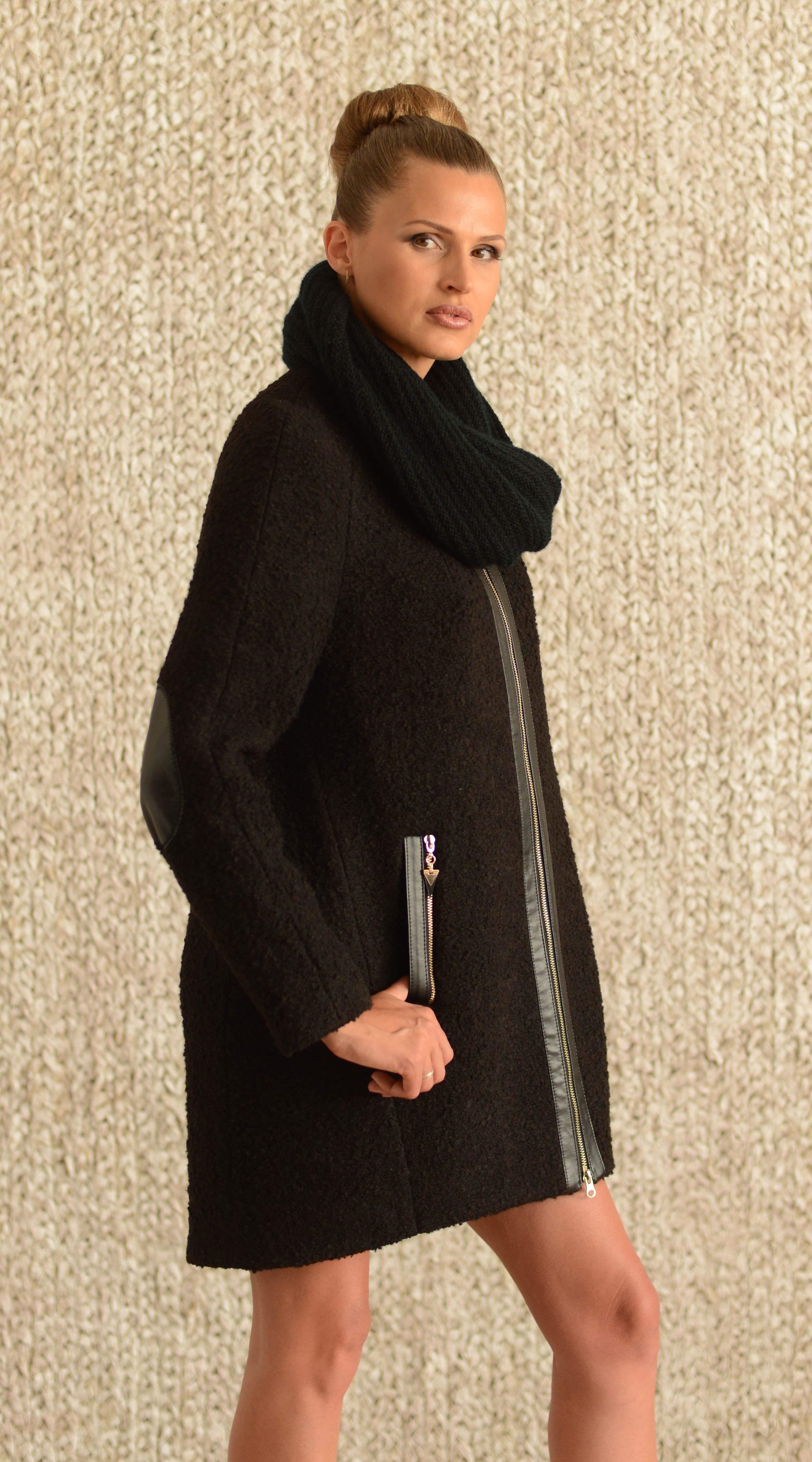 Пальто с хомутом