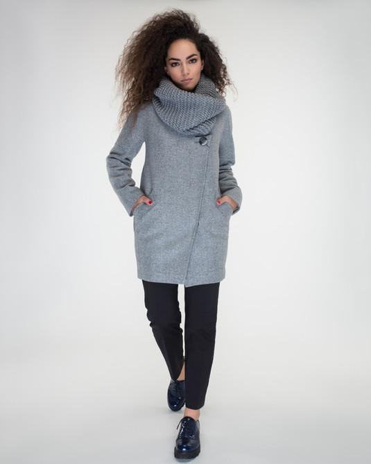 Пальто с хомутом светло-серое
