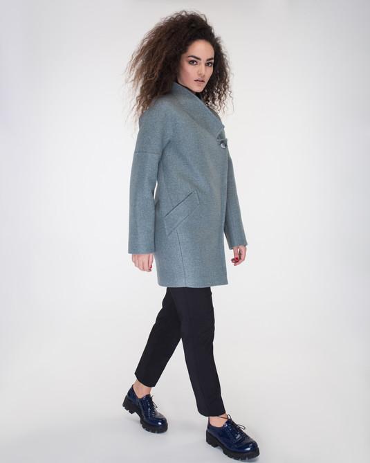 Пальто с хомутом полынь