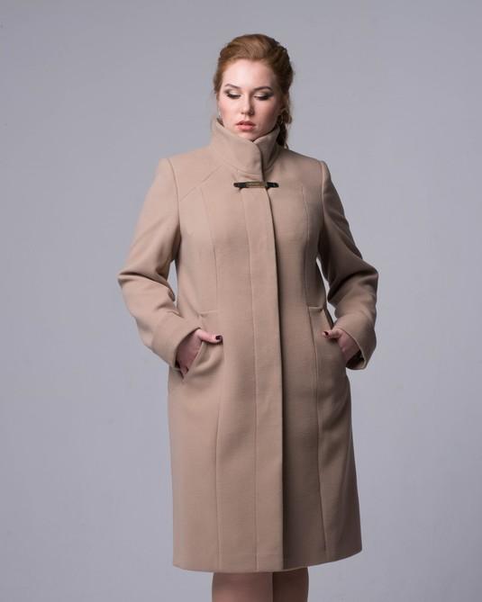 Пальто длинное  стойка воротник бежевый