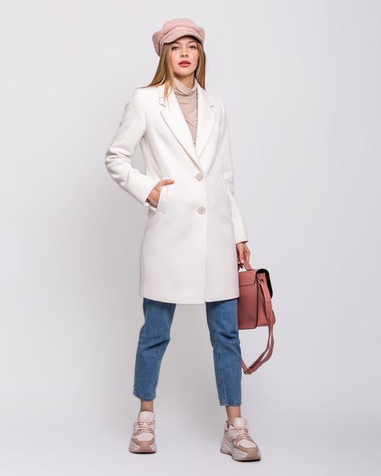 Пальто с английским воротом белое