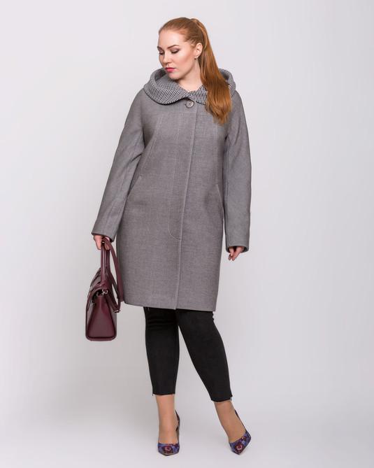 Пальто с капюшоном серое с клеткой