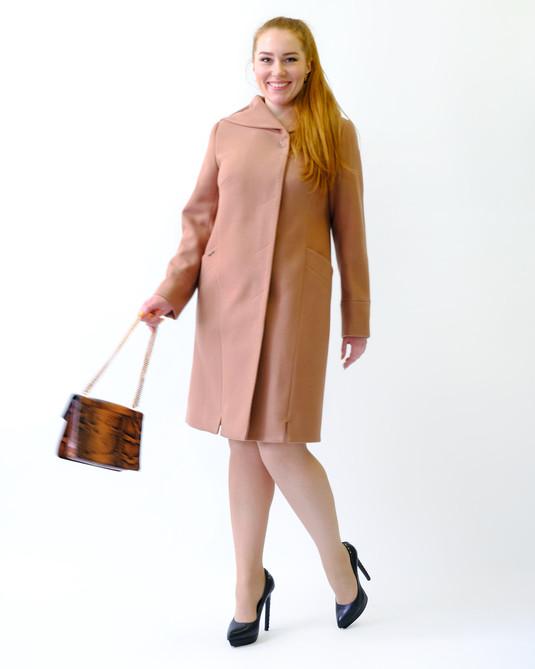 Пальто с капюшоном песочное