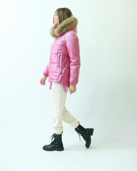 Зимняя куртка с натуральным мехом малина