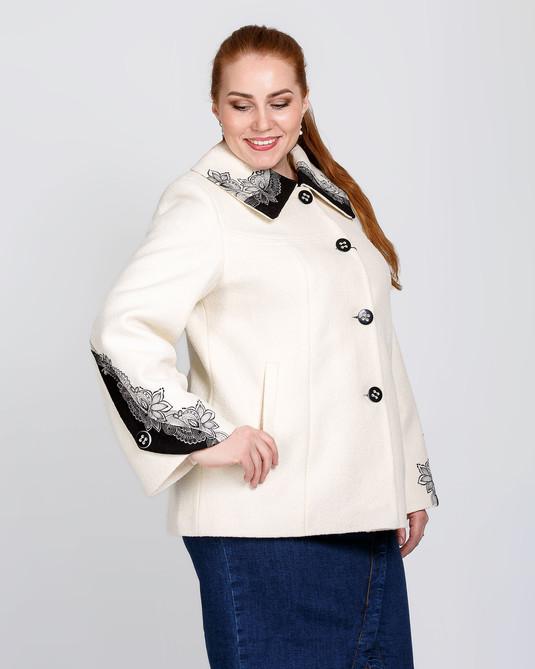 Кортокое полу-пальто белое