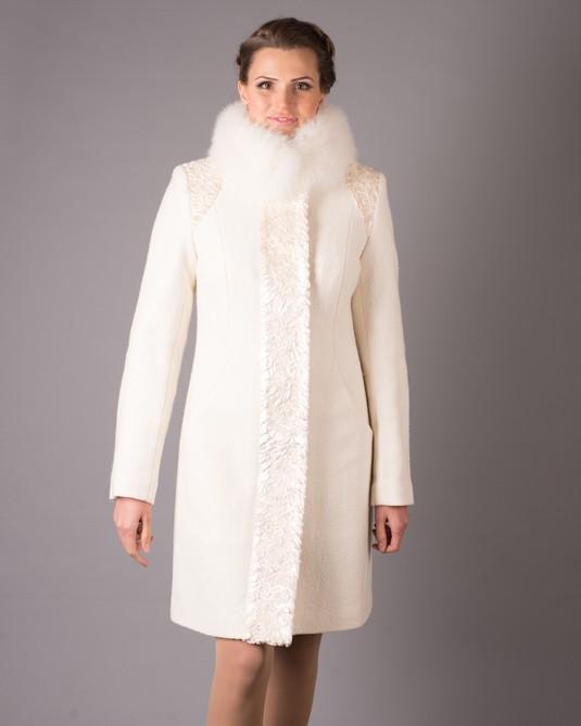 Зимнее пальто паетки белое