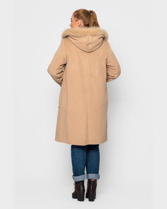 Пальто с вышивкой беж