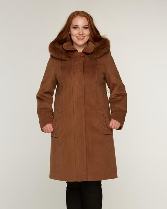 Пальто с вышивкой горчица