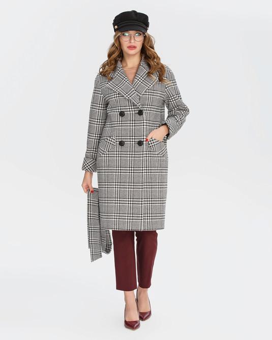 Двубортное пальто в клетку черно-белое