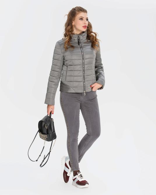 Приталенная куртка серебро