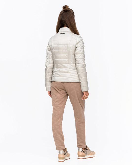 Приталенная куртка беж