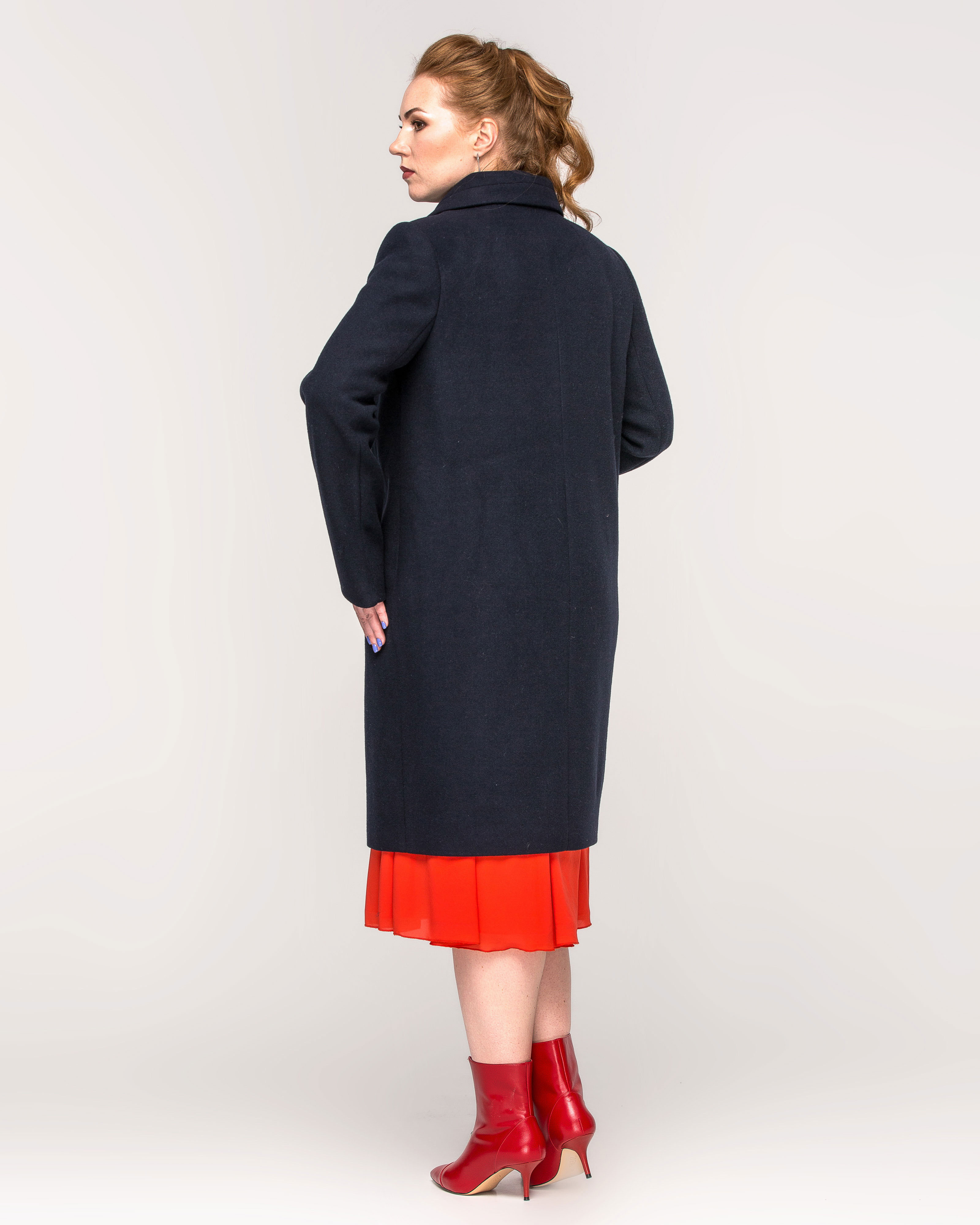 Пальто женское на пуговицах