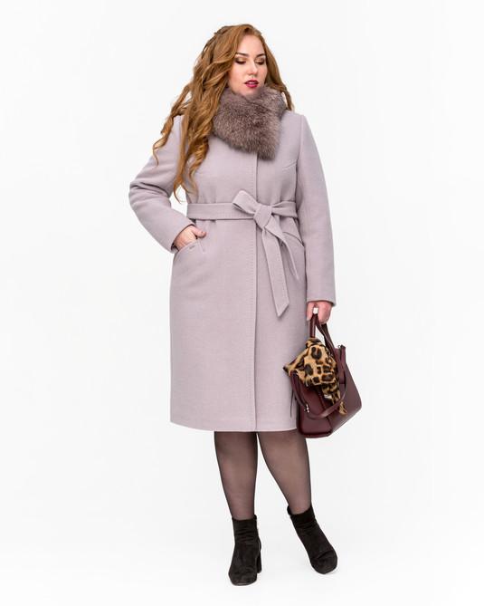Зимнее пальто с мехом классика беж