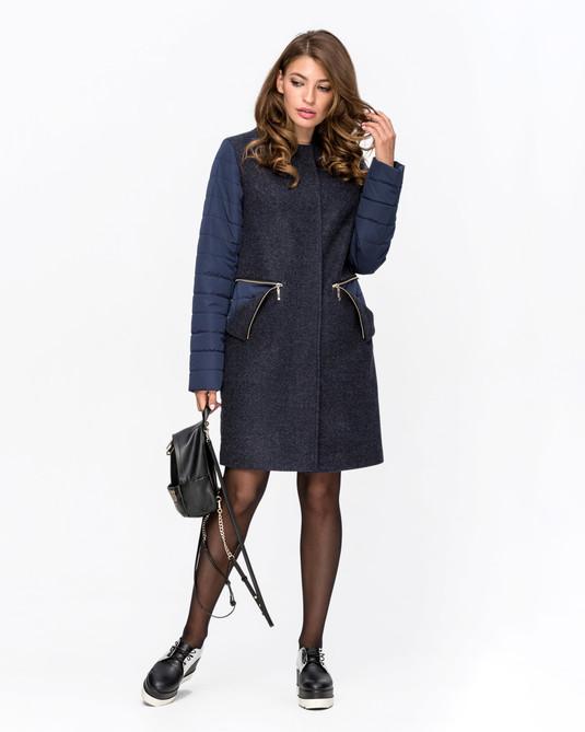Демисезонное пальто с хомутом синий