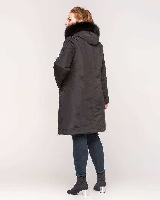 Куртка зимняя с вышивкой черный