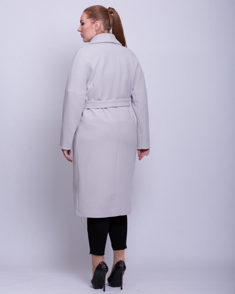 Пальто со спущенными рукавами