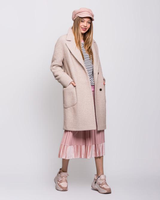Пальто с накладными карманами беж